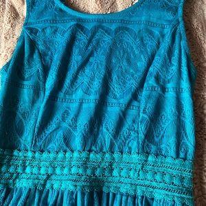 Francesca's 🦋 turquoise lace sheath dress